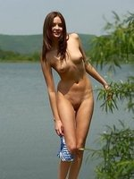 Sexy nude Amelie in Close To The River