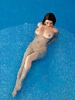 ana karoline busty nude girl