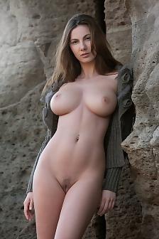 Josephine nude femjoy girl