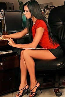 Ashley Hot Assistant