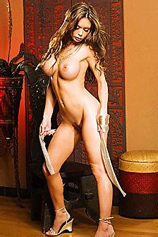 Crissy Moran Sexy Babe Gets Nude