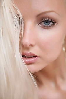 Liza Sexy Blonde Girl