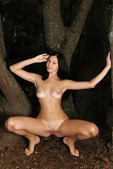 Teen Erotica In The Deep Forest