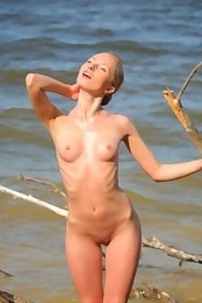 Nicole A Sunshine