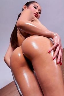 Exclusive Oiled Danika