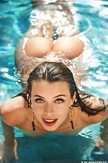 Roxanne June Gets Wet