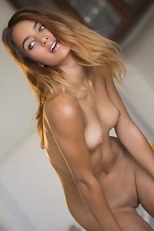 Uma Jolie Gets Totally Nude