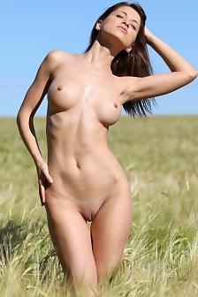 Jasmin Enjoys Sunshine On The Field