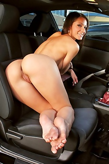 Lexa With Perfect Body Naked Waiting In The Car