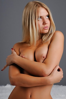 Introducing Aria Blonde Teen Angel With Nice Body