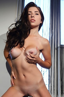 Niemira Shows Her Naked Body