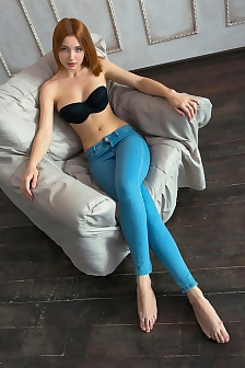 Redhead Babe Valeria Skinny Jeans
