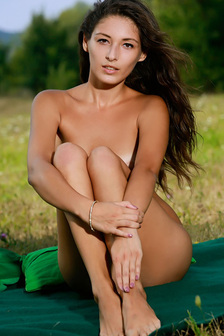 Sexy Diana In Naked Picnic