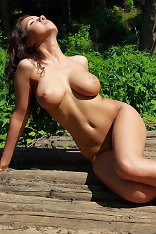 Busty Aurora Nude In The Sunshine