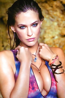 Blue-eyed Supermodel Bar Refaeli