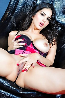 Sunny Leone Takes Down Her Seetru Negligee To Play
