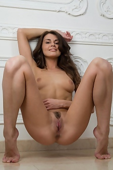 Alannis Trimmed Pussy