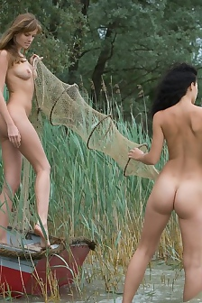 Nicci Nude In The Nature